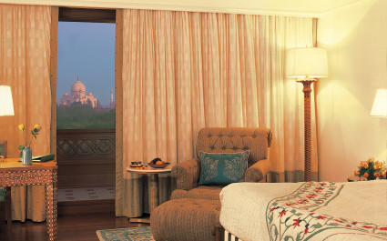 Enchanting Travels India Tours Agra Hotels The Oberoi Amarvilas Agra 019-The Oberoi Amarvilas, Agra - Exterior (14)