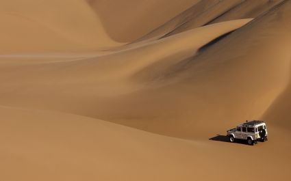 Namibia Travel safety: Driving in the desert landscape - Is Namibia safe