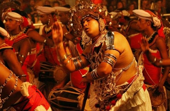 Auch beim Kandy Perahera 2017 wird es viel Musik und Tanz geben