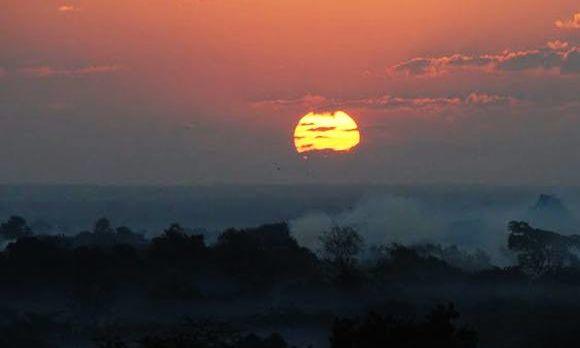 Sonnenaufgang vor der Fahrt mit dem Ballon, Bagan
