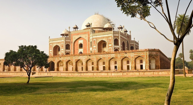 Experience Delhi on the Golden Triangle tour