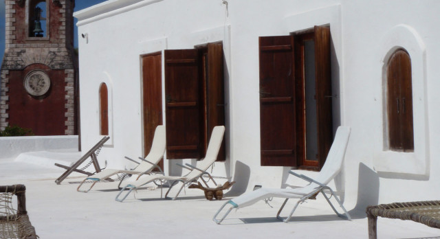 Deckchairs on the rooftop of Terraco das Quitandas Hotel in Ilha de Mozambique