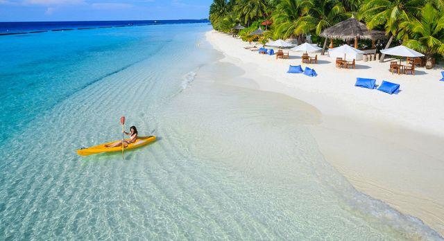 Strand des Kurumba Maldives