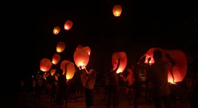 Das Festival der schwimmenden Laternen