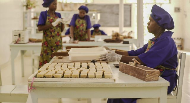 Visit The Seaweed Co. in Zanzibar, which provides female seaweed farmers with employment opportunities through providing our accommodation partner Zuri Zanzibar with its organic toiletries.