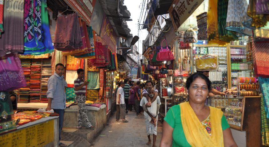 Bunte Märkte und enge Gassen in Indien