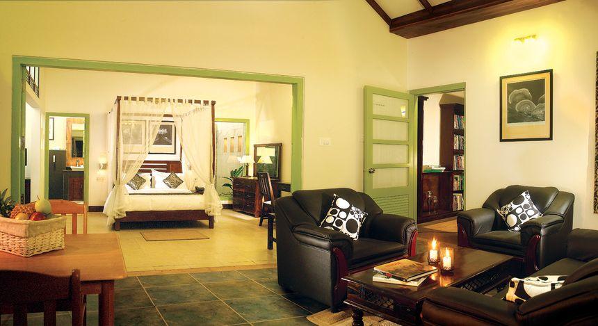 Enchanting Travels - South India Tours - Tekkady - Aanavilasam Luxury Plantation - Lounge