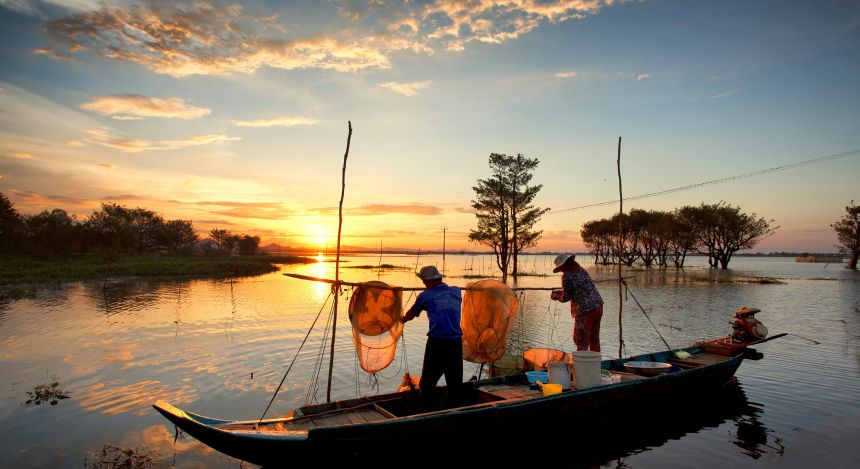 Halong Bay or Mekong Delta: Fishing on the Delta
