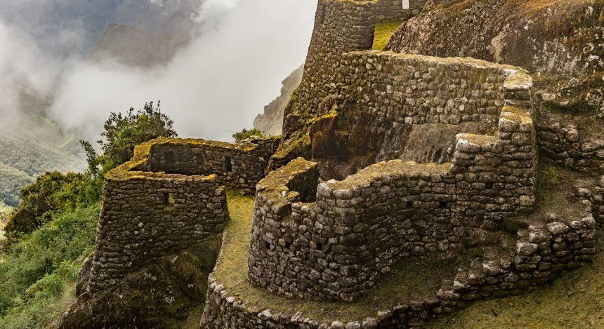 Ruine aus Bruchsteinmauern
