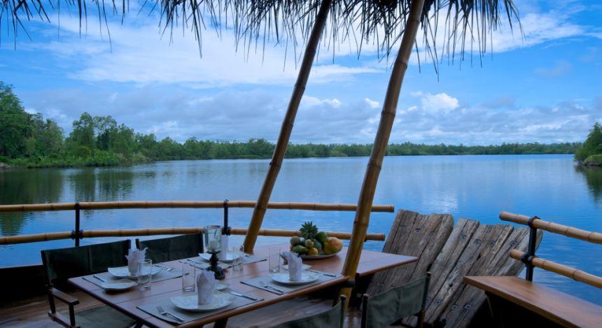 Ausblick von Dedduwa-See von Bentota