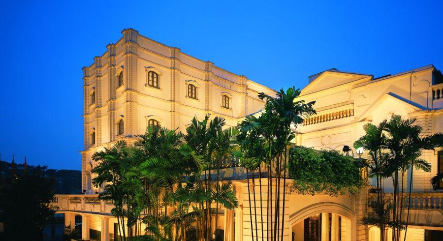 Das Oberoi Grand Hotel in Kolkata, West Bengalen (Außenansicht)