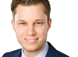 Dr. Julian Lauer