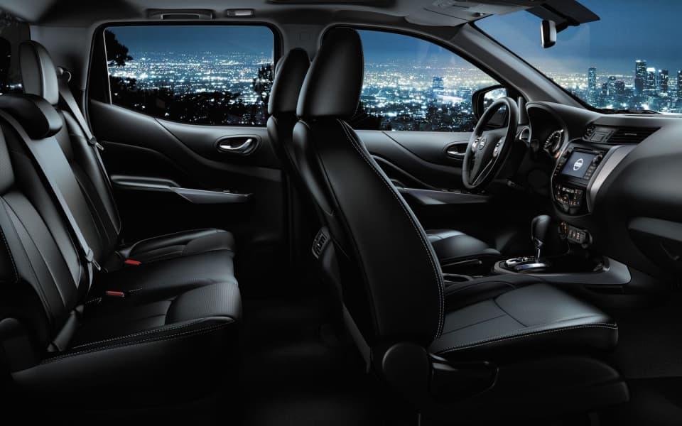 Nissan Navara kupé i sort skinn