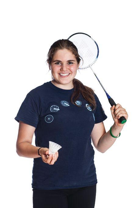 Adult_female_playing_badminton.jpg