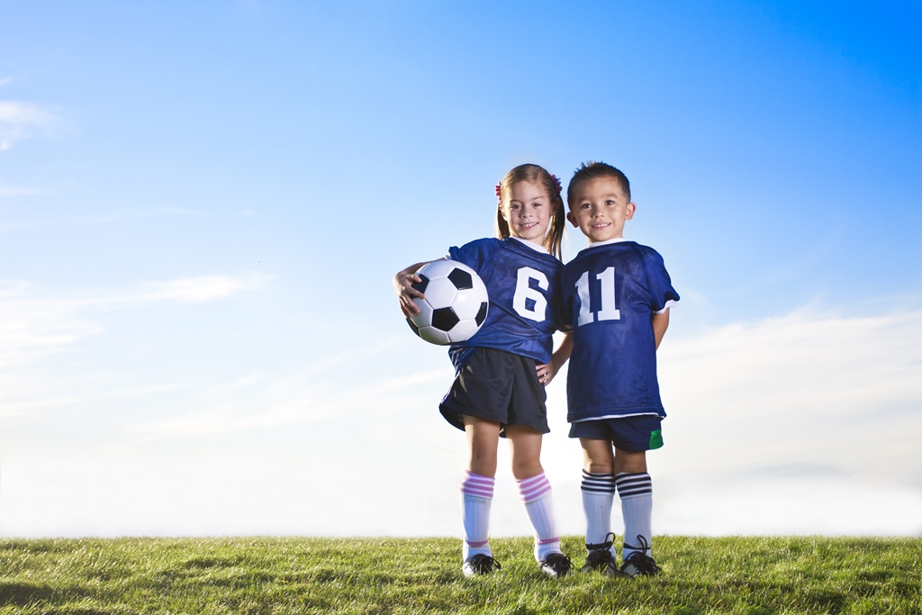 Boy and girl football   web ready