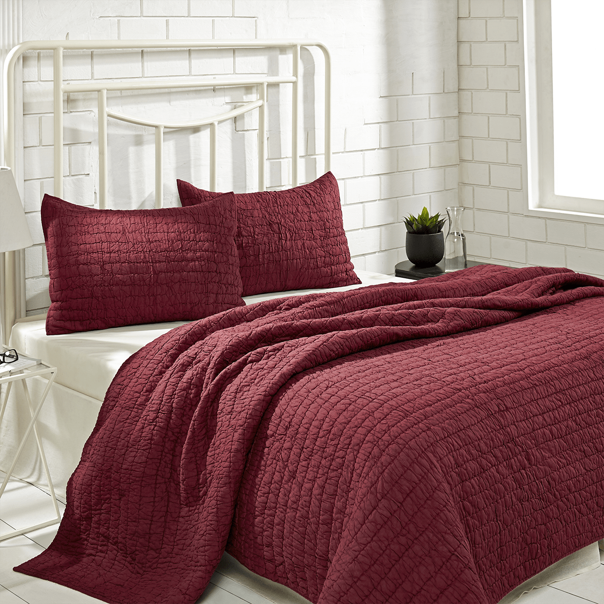 Rochelle Ruby Twin Set with Quilt -1 Sham