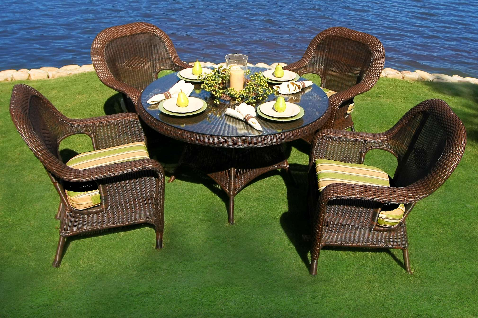 Sea Pines 5 Piece Dining Set in Java Wicker with Rave Spearmint Cushions