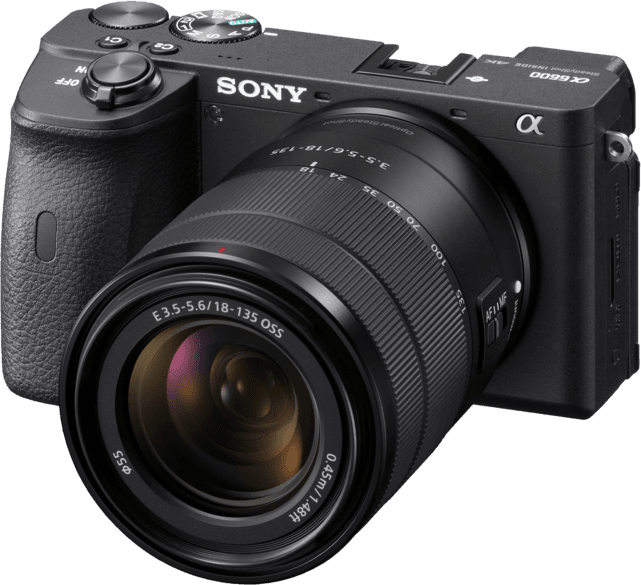 Schwarz Sony ALPHA 6600 + 18-135mm.1