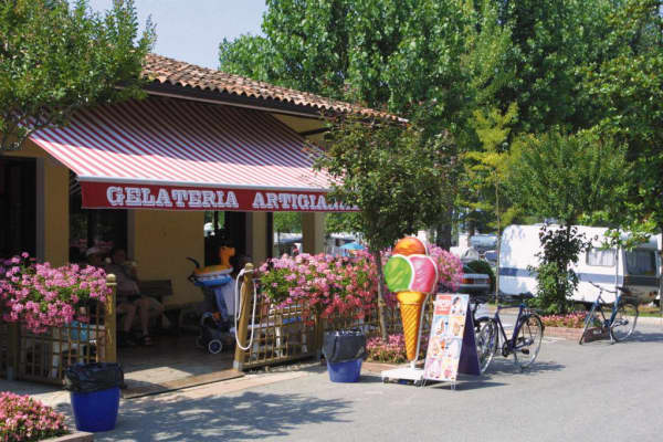Bella Italia: Mobile Homes,Peschiera