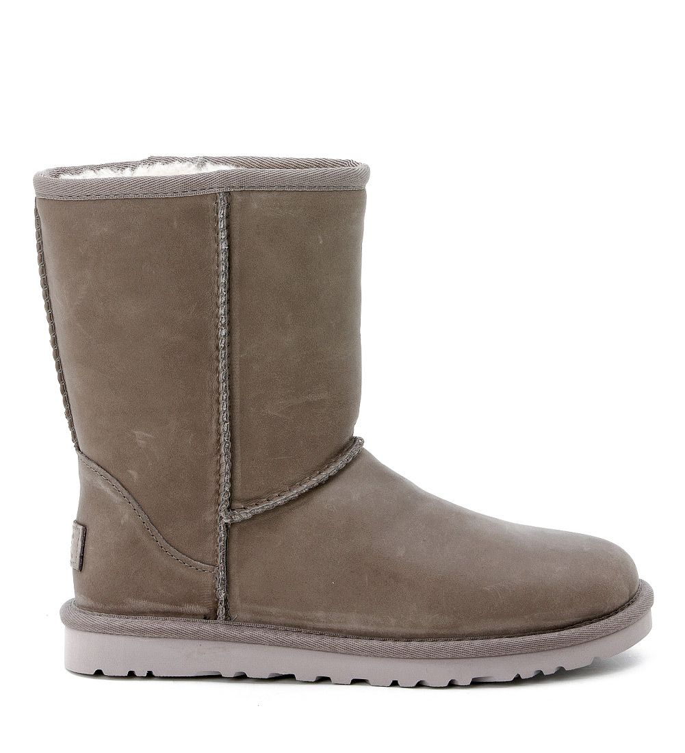 ugg ugg classic short boots in grey stressed leather grigio women 39 s boots italist. Black Bedroom Furniture Sets. Home Design Ideas