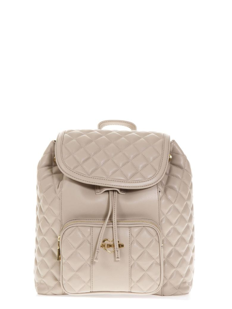 DOVE QUILTED BACKPACK IN FAUX LEATHER