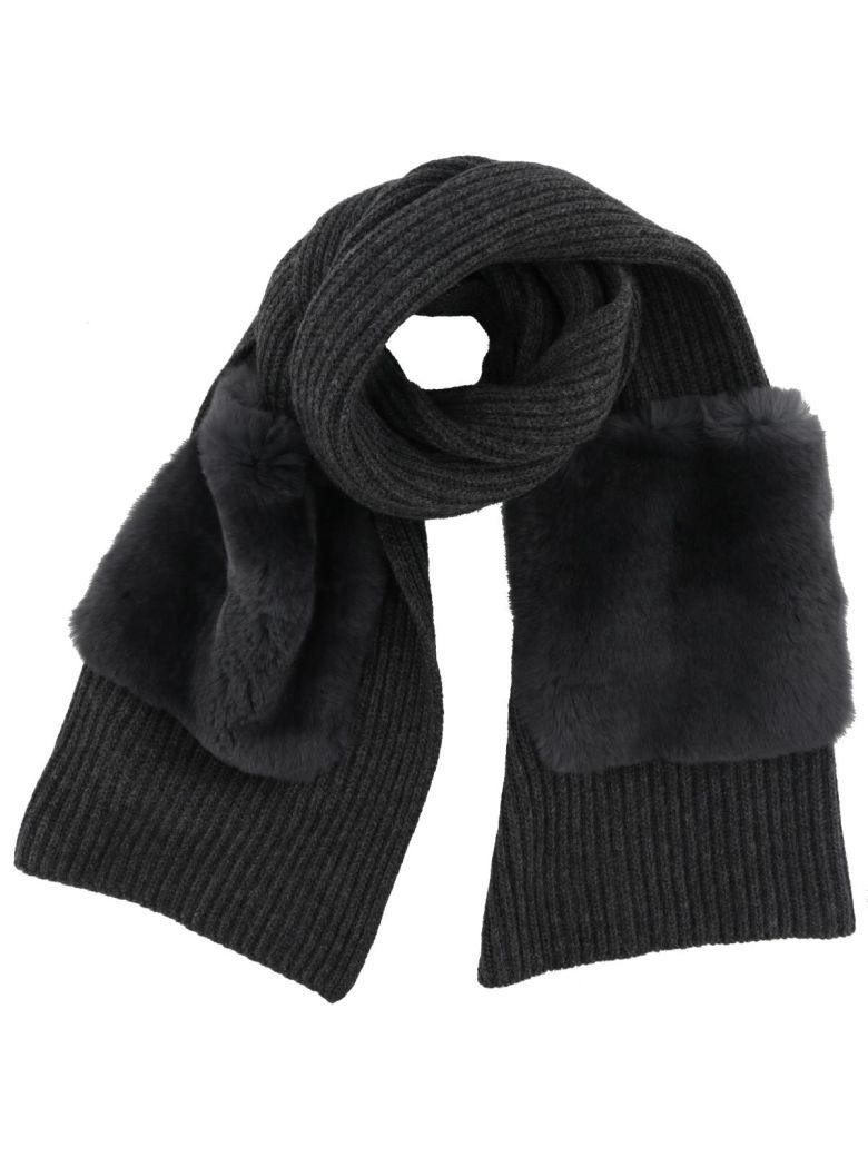 SCARF WITH FUR POCKETS