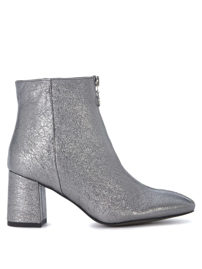STEFANIA SILVER LEATHER ANKLE BOOTS