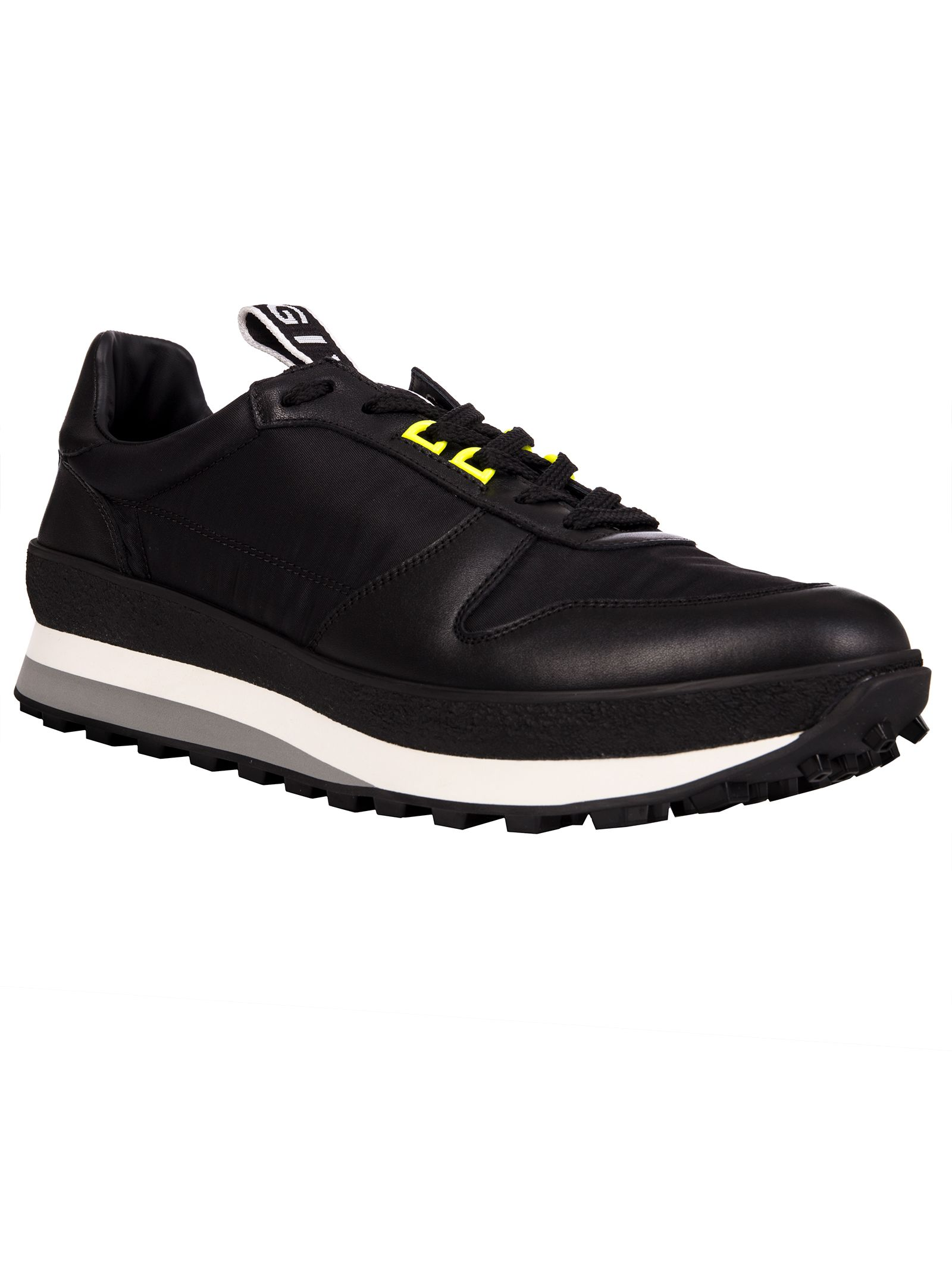 GIVENCHY T3 RUNNER SNEAKERS IN BLACK