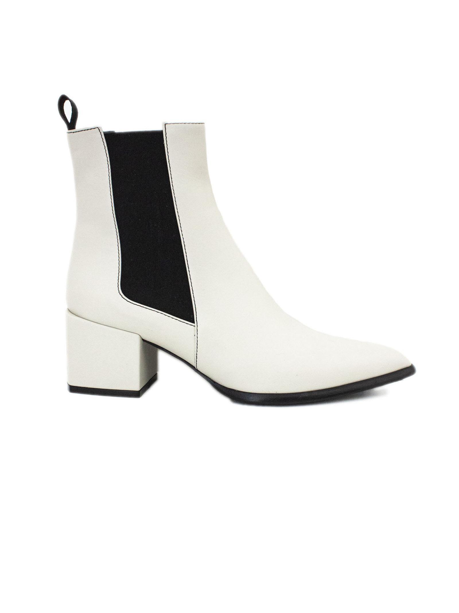 ROBERTO FESTA Rania Ankle Boot In White Leather. in Crema