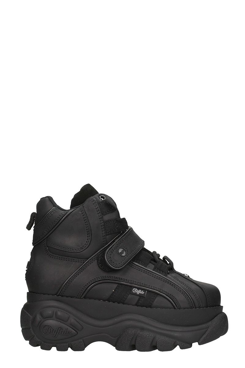 buffalo -  Black Platform Hi Top Sneaker