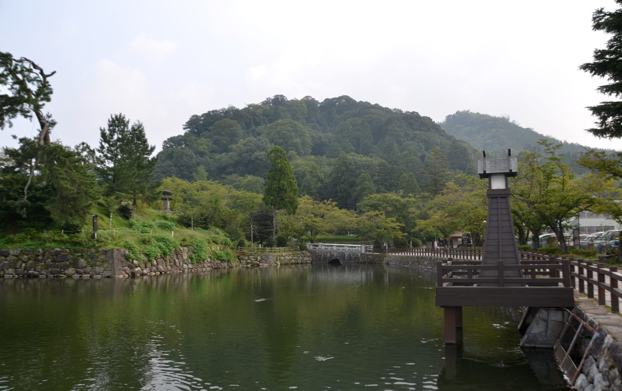Shikano Castle Ruins and Former Castle Town