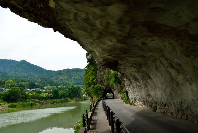 Ao-no-domon Tunnel dug through the Kyoshu Peak