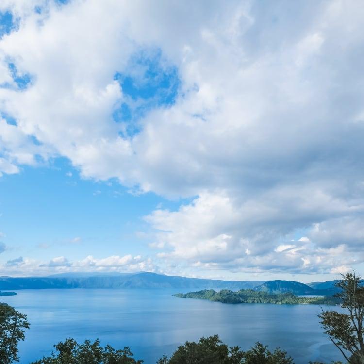 lake towada-ko area
