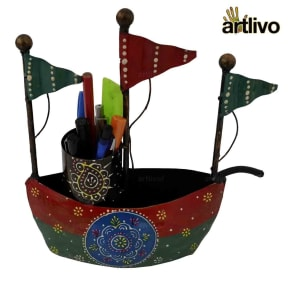 Iron Boat Pen Stand
