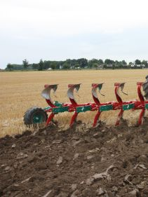 Kverneland Ecomat, tills soil efficient from 10-18cm. Increases quality in soil preparation and more economical