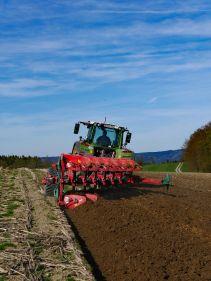Kverneland PG RG, Kverneland Vari-Width® system, easy in use while ploughing and adjusting