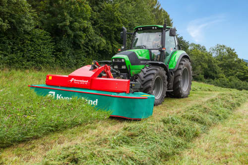 Kverneland 2800 FS,  first front disc mower with an actively driven swath former