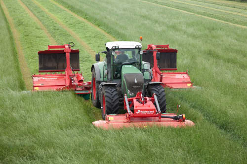 Kverneland 5090 MT, butterfly mower with 9meter working width