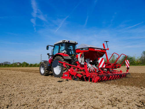 Kverneland pneumatic seed drill