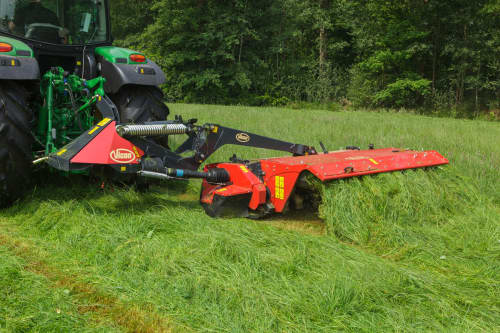 Mower Conditioners - VICON EXTRA 624T - 628T/R - 632T FARMER, tine conditiong with hydraulic spring adjustments also slim design for efficient during operation
