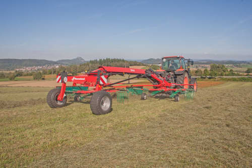 Double Rotor Rakes - Kverneland 9670S Evo & Vario, operating comfort, flexible and compact during transport and storage