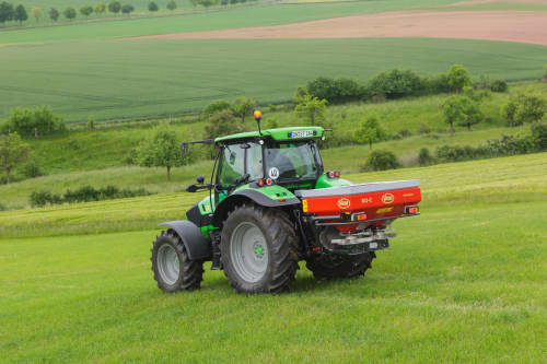 Spreading Equipment - Vicon RotaFlow RO-C, small and compact spreader, fits all tractors and makes spreading easy during operating on field