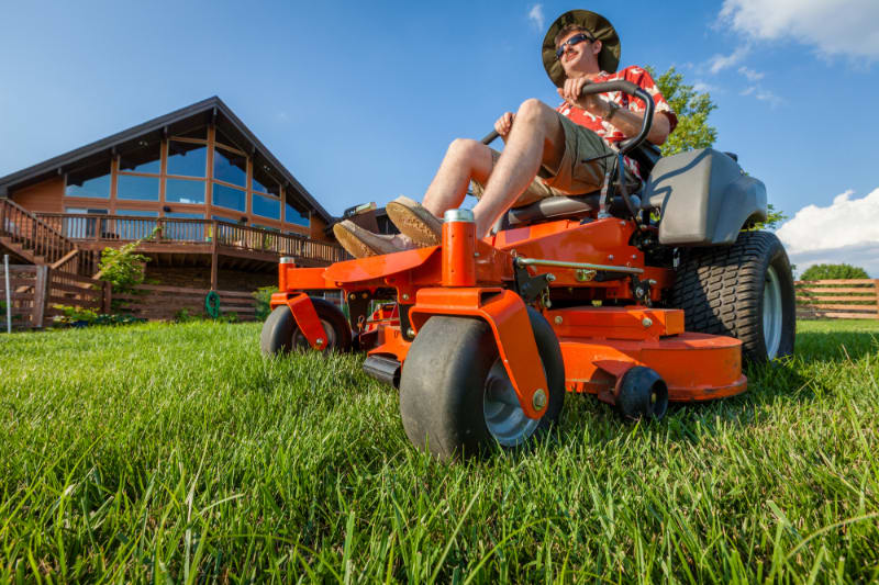 Best Zero Turn Mower for the Money: Z200 Series