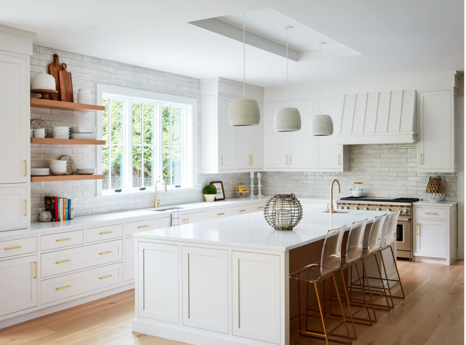 Featured: Karam Small Pendant by Sean Lavin / Photo: Tim Lenz Photography