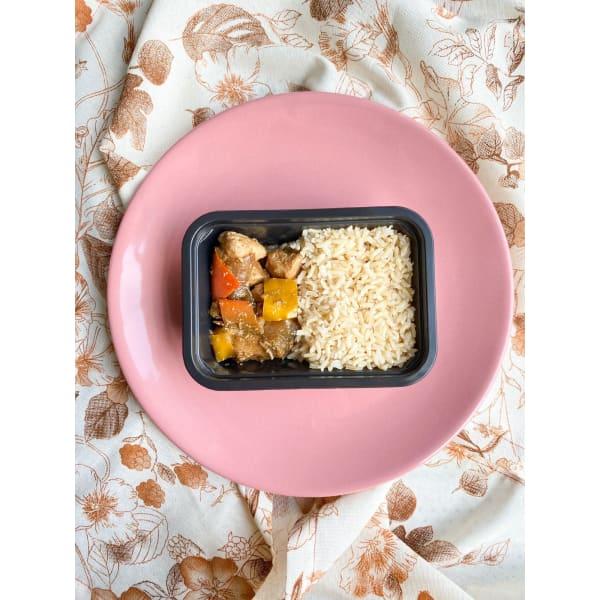 Frango Xadrez com arroz integral
