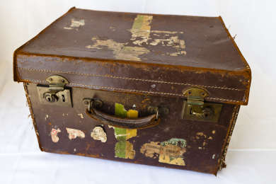 Suitcase used by Joseph Lyons