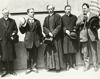 Archbishop Mannix (centre) was the leader of the Australian Catholic community for fifty years. At the very beginning of his time in Australia, Mannix used the Easter Rising as a means of persuading Irish Catholics in Australia to oppose conscription, which Mannix claimed would be helping the oppressors of Irish people. National Library of Australia.