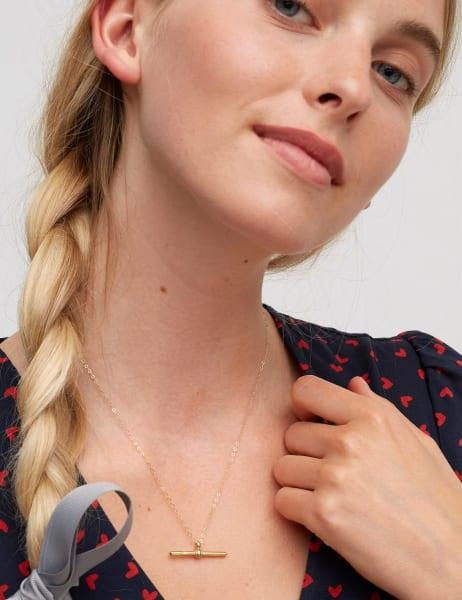 Amme Medium T-bar Necklace