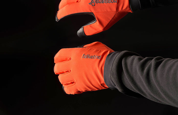 Norrona falketind windstopper glove for hiking and trekking
