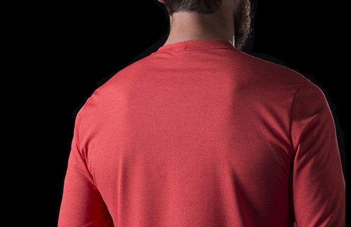 Norrøna fjørå equaliser lett langermet genser til stisykling